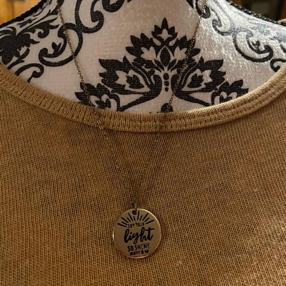 6/$20.  Paparrzzi necklace